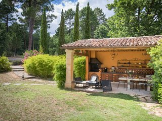 5 bedroom Villa in Roussillon, Provence-Alpes-Cote d'Azur, France : ref 5579261