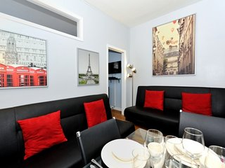Prime location 2 Bed Upper East home - just steps from Park Ave + Museum Mile