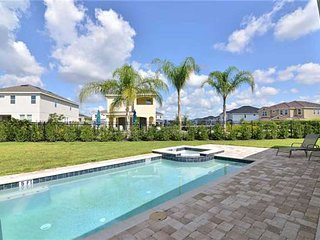 ACO PREMIUM – 8Bd with Private Pool & Grill (1804)