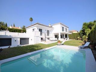 6 bedroom Villa in La Quinta, Andalusia, Spain : ref 5624772