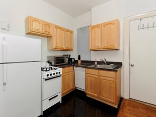 Midtown Classic Stunner - Two Bedroom Apartment - Apartment