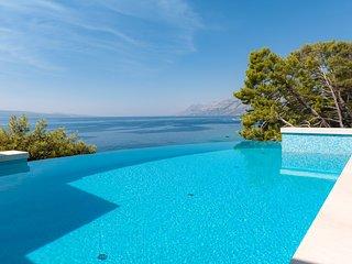 Villa Dalmatia Luxury – Sea view luxurious villa in Brela, Makarska