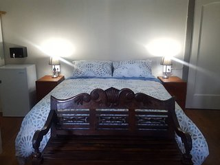 Room 2 Pretoria Inn Self Catering Guesthouse small ensuite