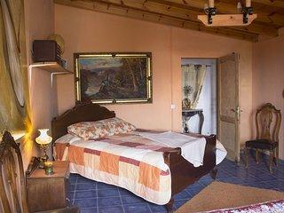 Rustic Villa: Room 2