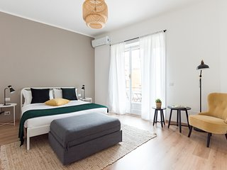 Modern trendy flat well connected w/Vatican