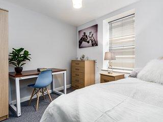 3 Bedroom Luxury Seaside Apartment - F/3