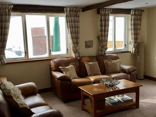 Comfy leather sofa's, Freeview tv & DVD player