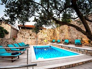 California apartments - 05 - Dubrovnik