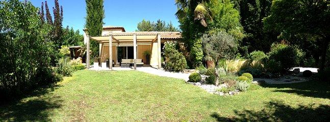 La casa y su jardín