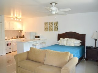 Cozy & Safe Seawind On The Bay Studio Apartment Free Beach Access OLR