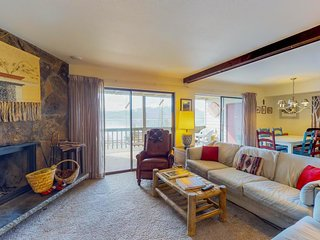 Lakefront dog-friendly condo w/ mountain views & patio, near town & slopes