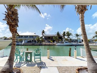 Waterfront home w/ 33-ft dock, Cabana Club membership - shared beach & pool