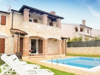 LAST MINUTE SALE!! LOVELY VILLA WITH PRIVATE POOL NEAR POREC,sleeps 10