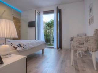 Modern studio apartment with private garden 40m²