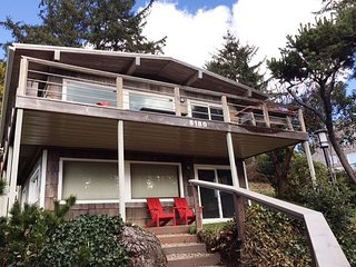 LAZY PINE ~ NEW LISTING-Enjoy beautiful views inside and out of this charmer