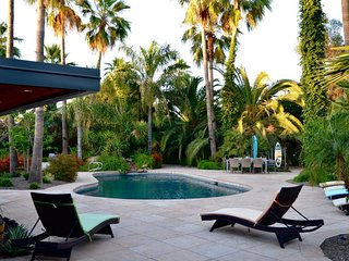 ★Available Labor Day★Guest House★ Heated Pool ★Private Retreat★