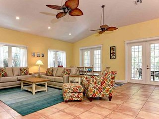 Charming family-friendly island home w/private pool, hot tub, & close to it all!