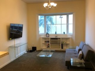 2 Bedroom, 2 Bathroom in Beautiful Waikiki