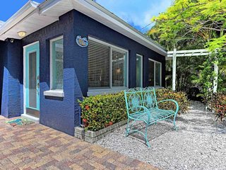 Spacious house w/ private yard & great location near the beach - dogs ok!
