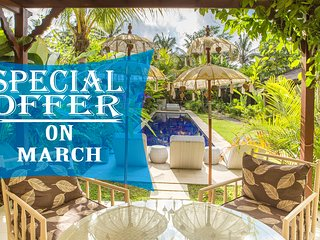 Ahh, 4 Bedroom Tropical Garden Villa, Ubud