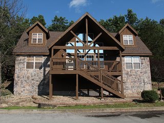 Luxury Home Near Silver Dollar City! 10% March and April Dates!