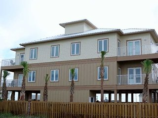 Fall into A Vacation ~ Great Location ~ Pool  ~ Kiran Terrace Duplex ~ Prickett