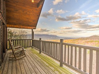 NEW! Rustic 2BR Sevierville Mtn Cabin w/ 2 Decks!