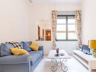Calle Zaragoza apartment in El Arenal with WiFi, air conditioning & lift.