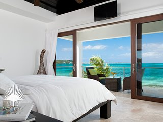 Ocean Edge Villa // Romantic Beachfront on Grace Bay Beach