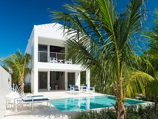 Little Plum Villa // Overlooking Grace Bay and the island's best snorkeling