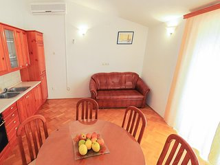 Two bedroom apartment Podstrana, Split (A-4859-c)