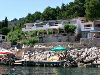 One bedroom apartment Cove Solotiša bay - Solotiša (Hvar) (A-5610-b)