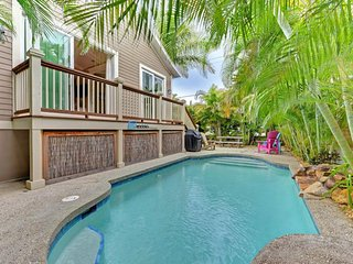 Cozy cottage w/ private pool - walk to trolley, dining, shopping, & the beach!