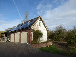 THE LOFT, pet friendly, open plan, countryside, in Westbury, Ref. 952919