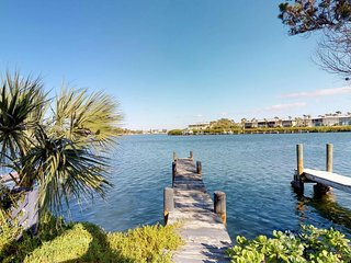 Dog-friendly, waterfront condo w/ furnished patio & private dock for boat access