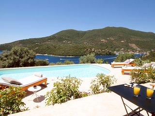 Luxury Villa with Sea Access - Amapola Villas - Phos