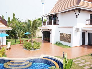 Exclusive Deluxe Oriental Thai Pool Villa 4 Bedrooms