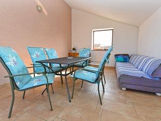 Apartment 15841