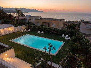 AL068a  Villa con piscina 5 posti letto Alcamo Marina