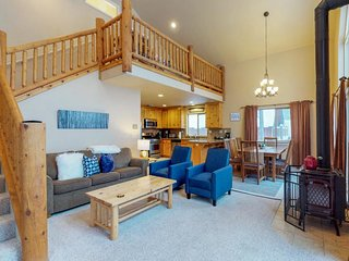 Cozy, family-friendly cabin w/ easy access to the slopes, lake, & trails!