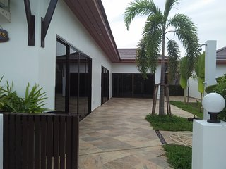 Tropicana Villa Garden 4 bedrooms