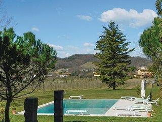 2 bedroom Apartment in Corno di Rosazzo, Friuli Venezia Giulia, Italy : ref 5543