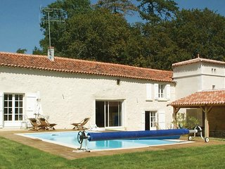 4 bedroom Villa in Bourneau, Pays de la Loire, France : ref 5542991