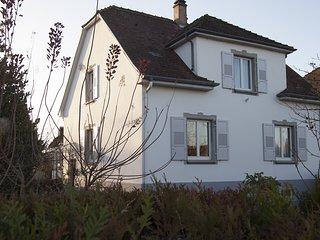 AULOUISON superbe maison de 200 m2 avec jardins proche du parlement Européen