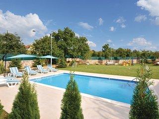 3 bedroom Villa in Pula, Splitsko-Dalmatinska Zupanija, Croatia : ref 5562005