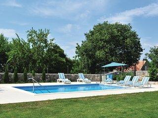 3 bedroom Villa in Pula, Splitsko-Dalmatinska Županija, Croatia : ref 5562005