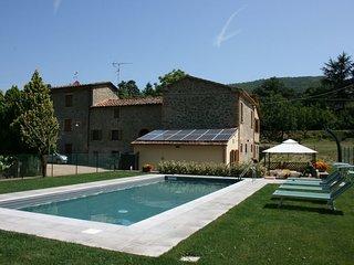 2 bedroom Villa in Salceta-Formicheto-Osteria, Tuscany, Italy : ref 5240511