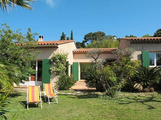 2 bedroom Villa in Giens, Provence-Alpes-Côte d'Azur, France - 5435954