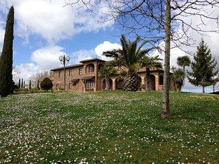2 bedroom Villa in Ospedali Riuniti Valdichiana Senese, Tuscany, Italy : ref 523