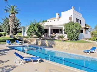 3 bedroom Villa in Poco Longo, Faro, Portugal : ref 5434704